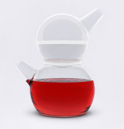 Extremely practical kitchen appliances by Tomas Kral - Molecule Carafe