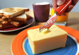 Electric heated butter knife by Warburtons